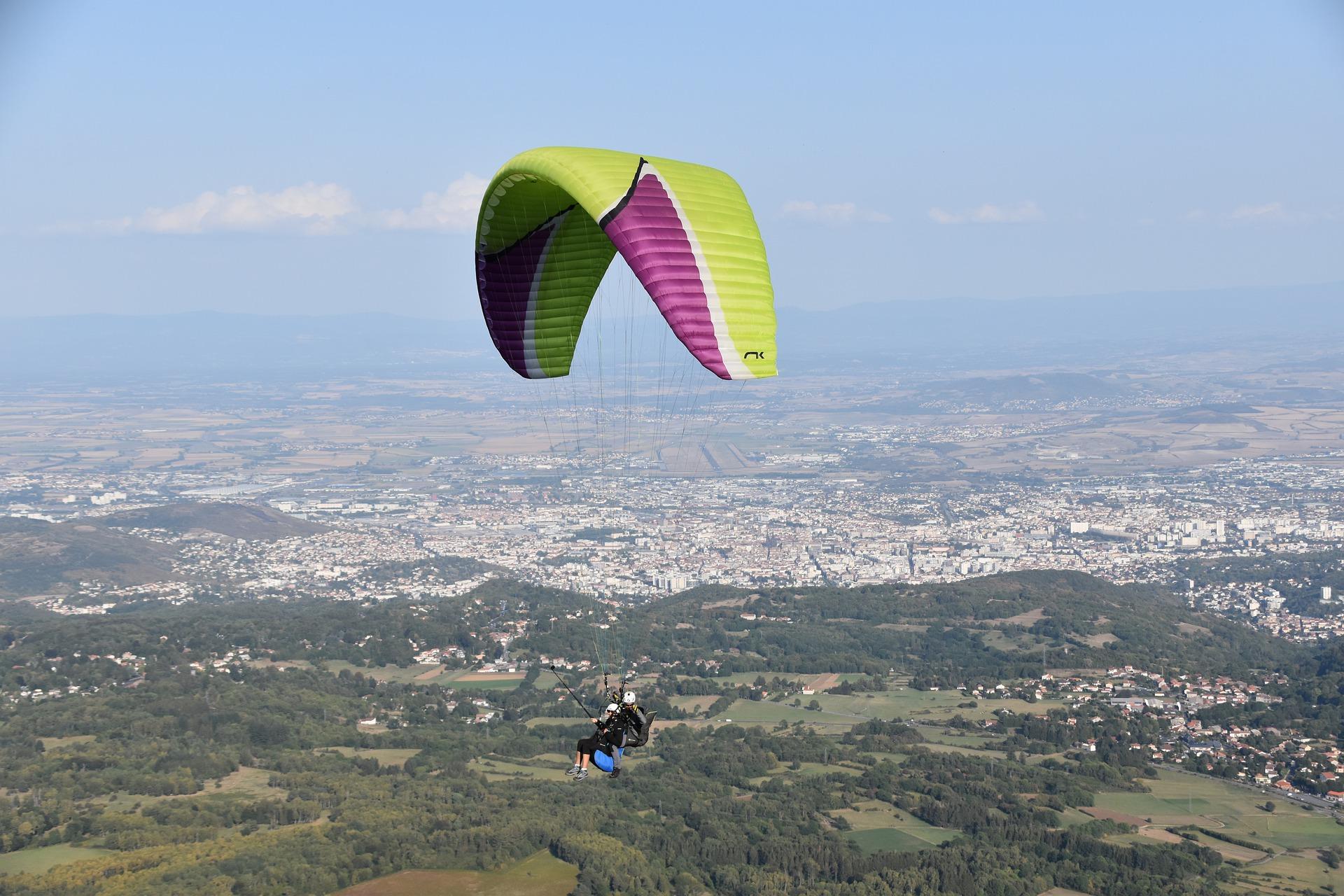 paragliding-free-flight-4487304_1920